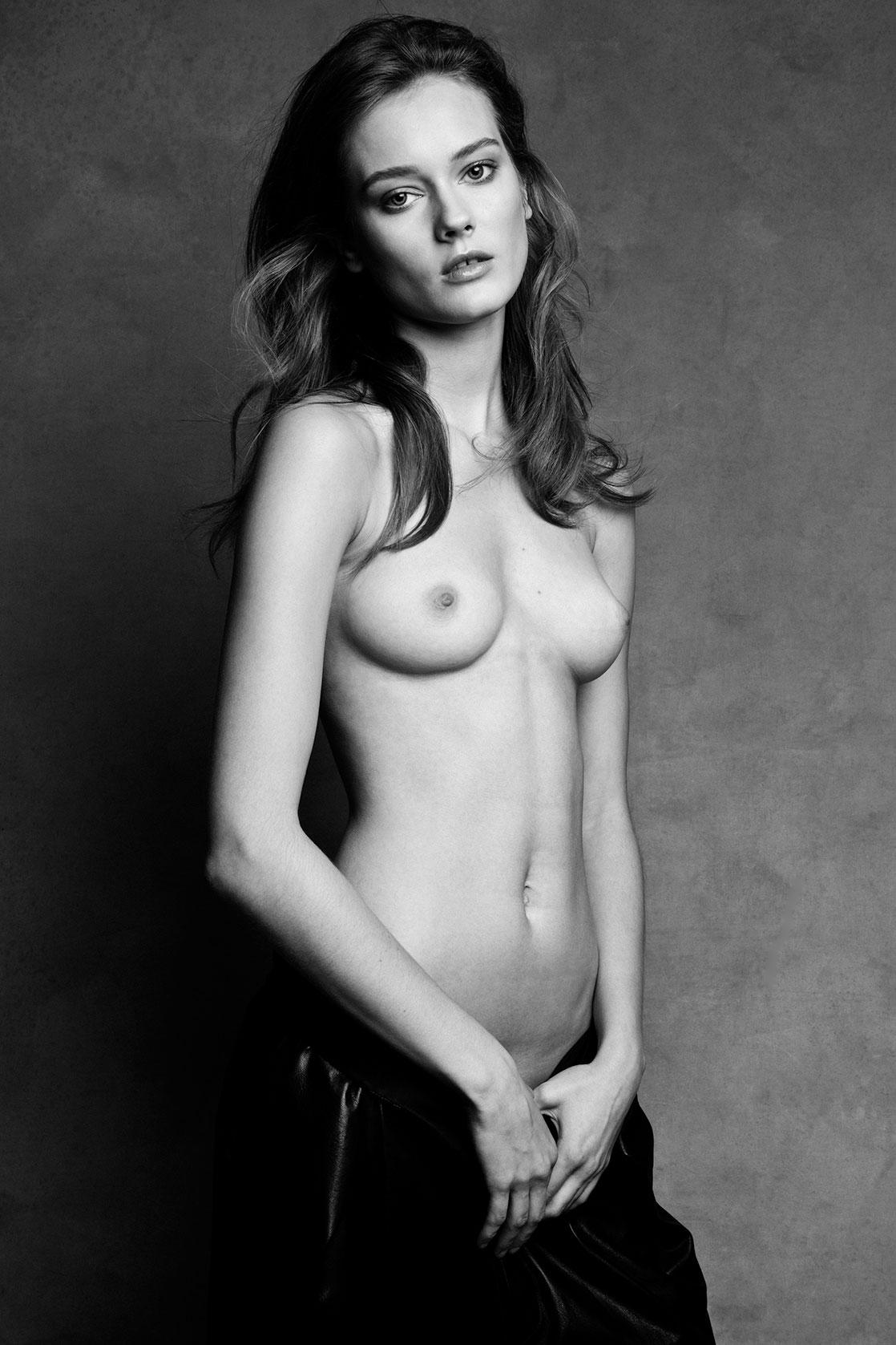 golaya-model-fotki