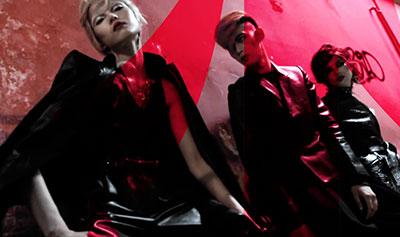VogueChina-Mario-Band-Apart-400
