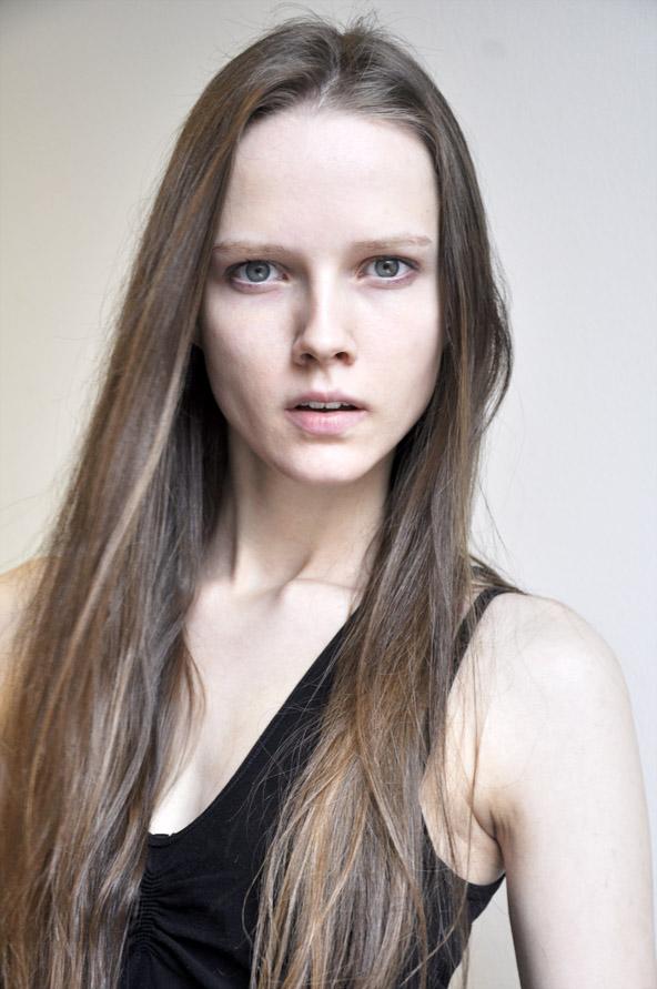 Isabelle Sonnenschein / Mega Model Agency