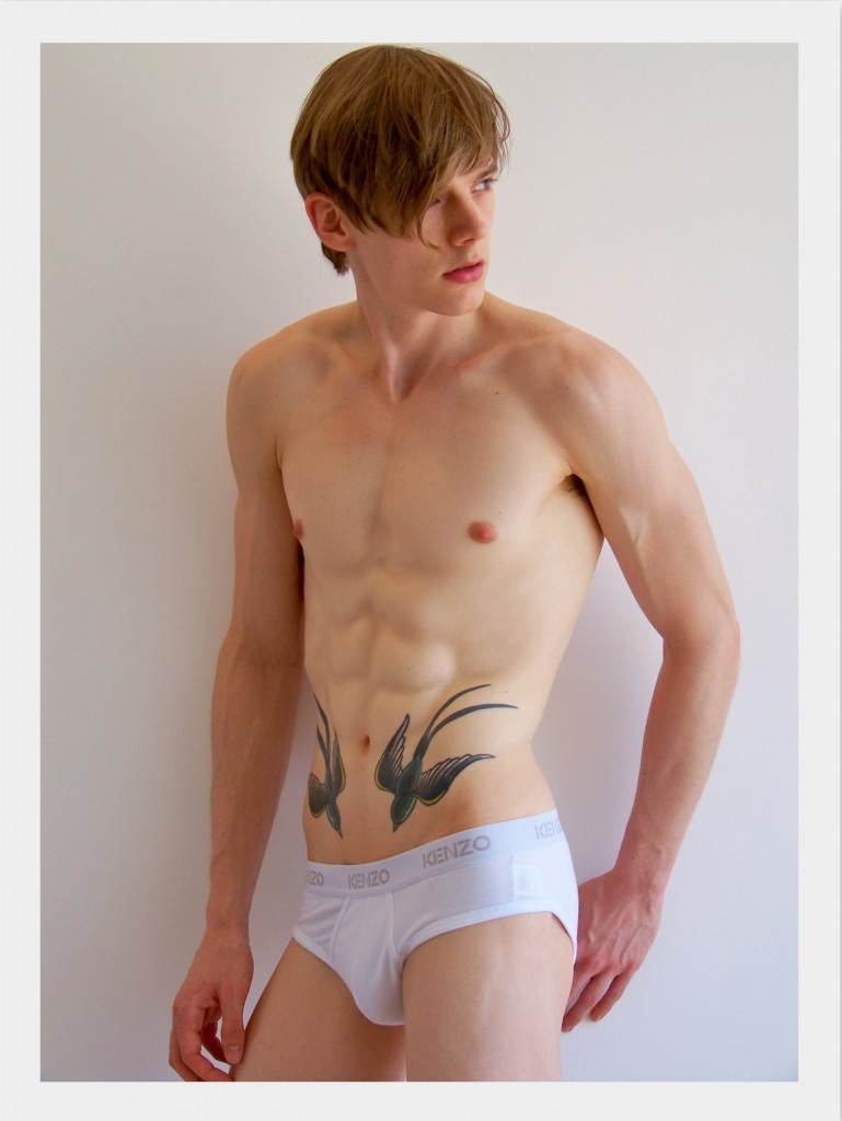 Johannes Niermann / polaroids courtesy EPmodels