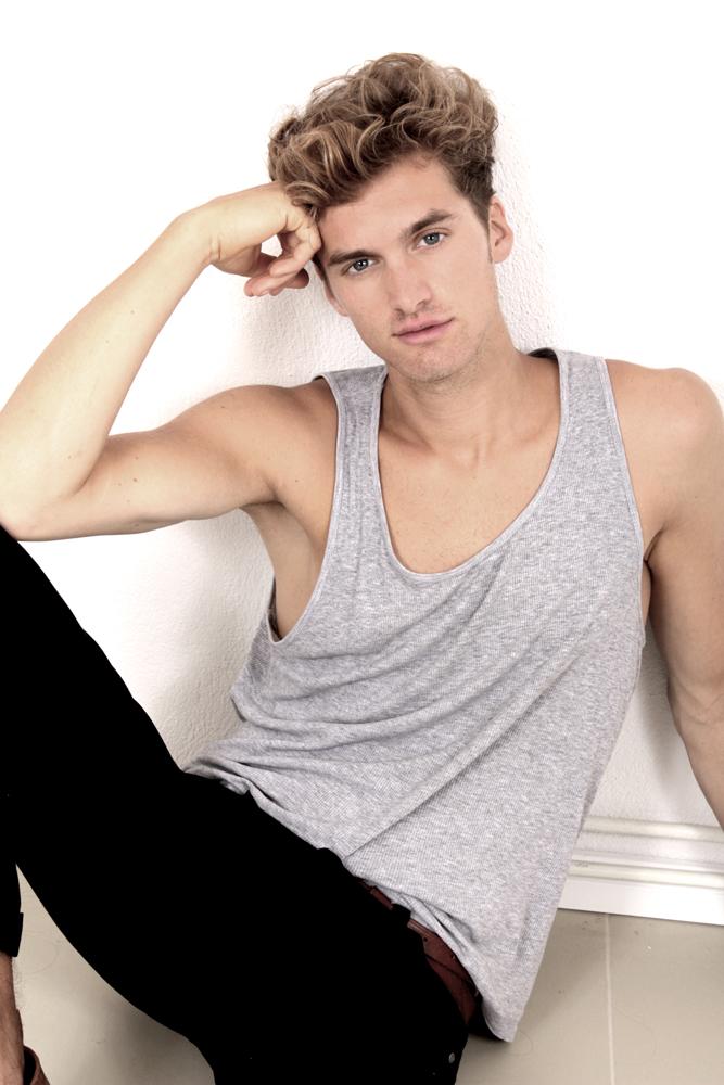 Jonathan / Modelwerk