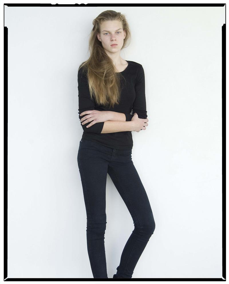 Gina / AM Model Management (1)