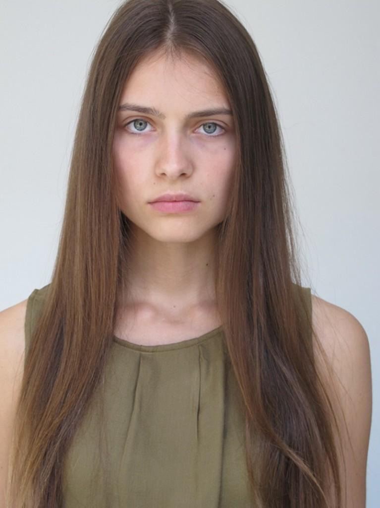 Romana / image courtesy Exit Model Management  (24)