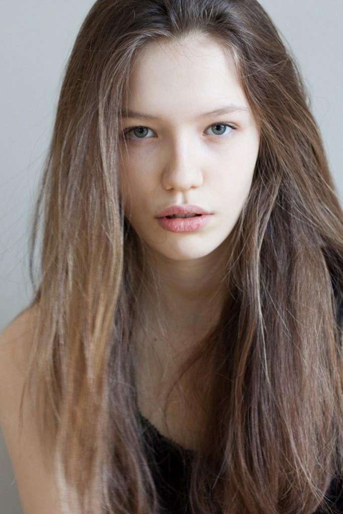 Victoria / image courtesy VIA Model Management (13)