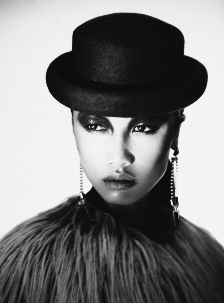 Yulia / Women Direct (6)