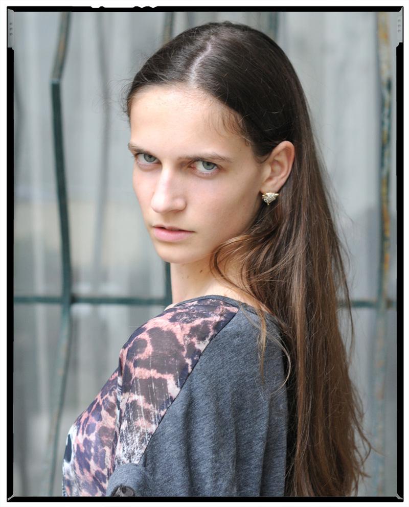 Val / Jill Model Management (2)