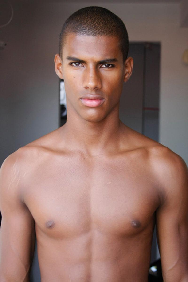 Vitor / image courtesy Andy Models (14)