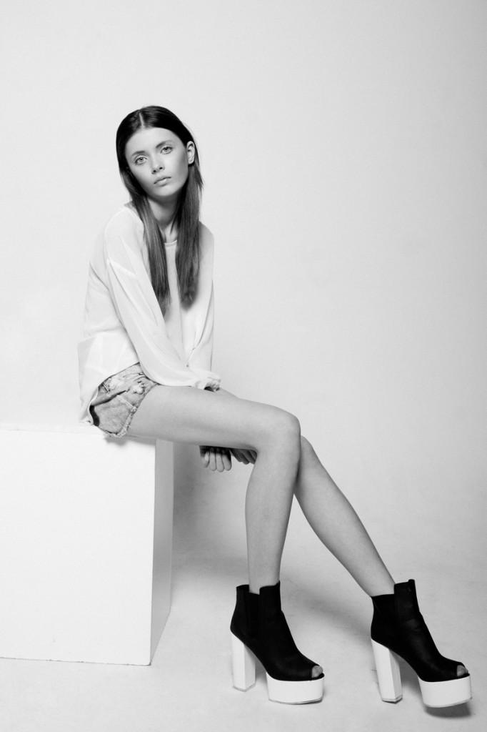 Simona / imag courtesy New Face Mng (9)