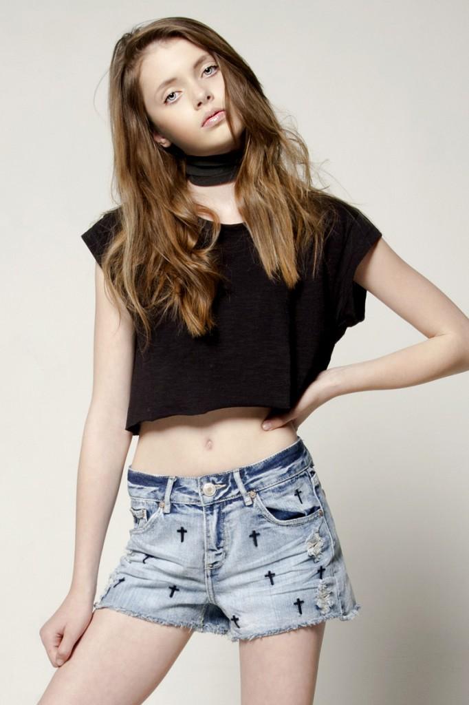 Simona / imag courtesy New Face Mng (7)