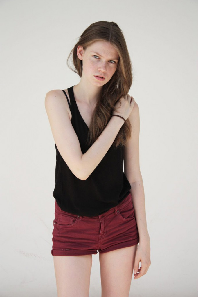 Carolin / image courtesy TUNE Model Management (12)