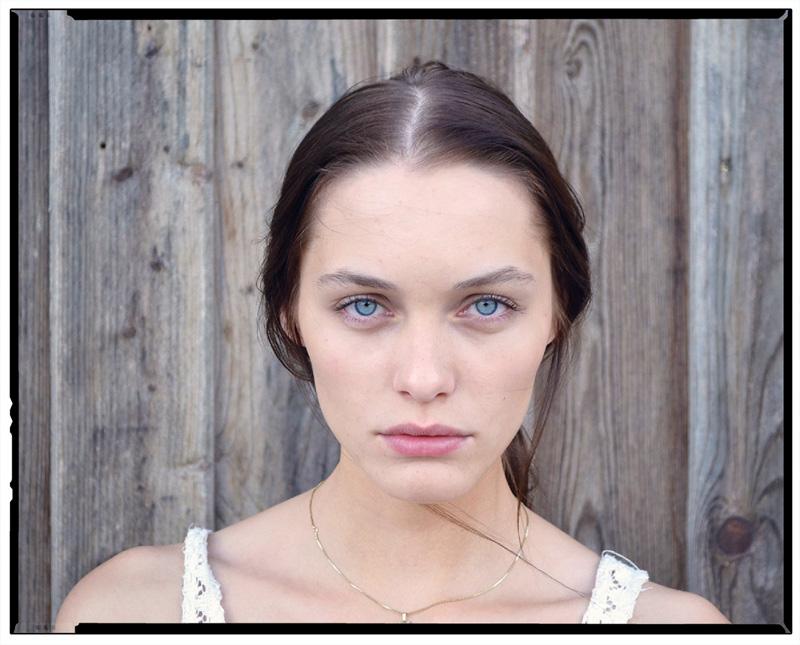 Leoni / Model Management (1)