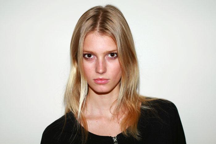 Classify female model Sigrid Agren
