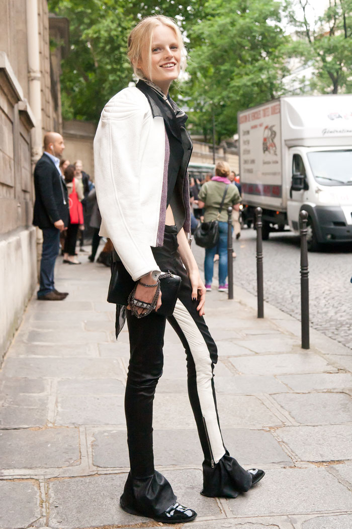 Hanne-Gaby-Odiele-Valentino-Haute-Couture-3-Melodie-Jeng-Street-Style-7254
