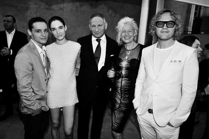 Olivier-Theyskens-&-Janice-Alida-&-John-Demsey-&-Ellen-Von-Unwerth