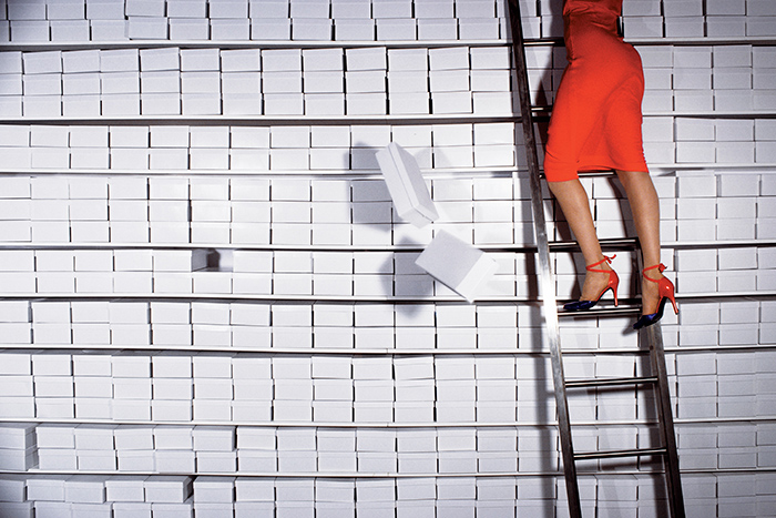 2.-Charles-Jourdan,-Fall-1977-_-Guy-Bourdin