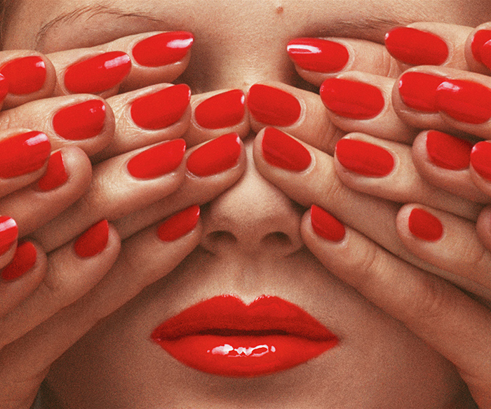 3.-Vogue-Paris,-May-1970-_-Guy-Bourdin