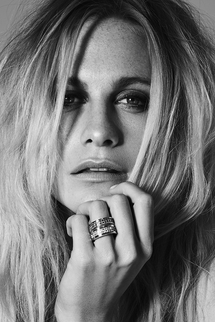 Poppy-Delevingne-by-Mark-Rabadan-modelsdot-01