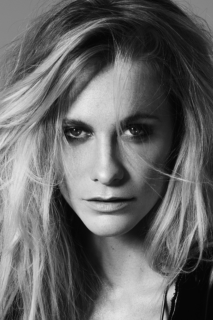 Poppy-Delevingne-by-Mark-Rabadan-modelsdot-05