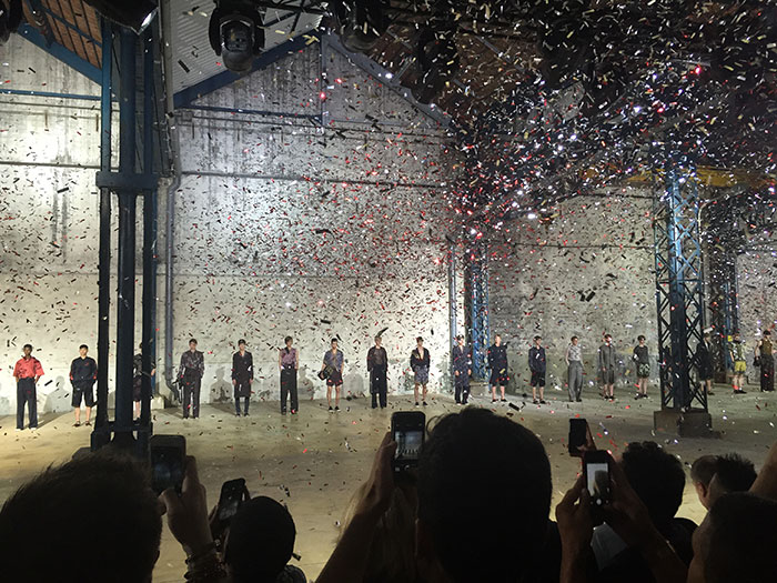 Confetti-for-the-finale-at-Dries-Van-Noten