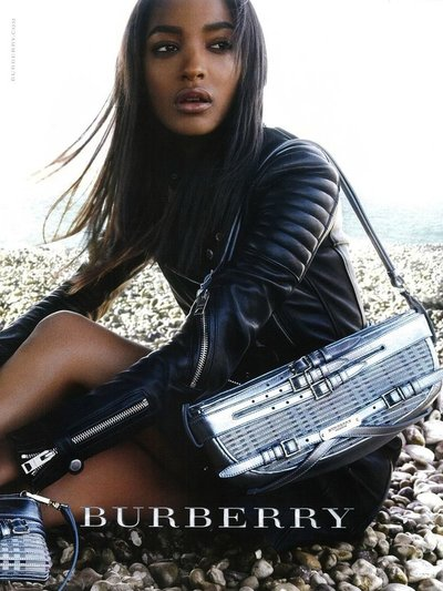 Jourdan Dunn - Photo: Mario Testino for Burberry Prorsum S/S 2011